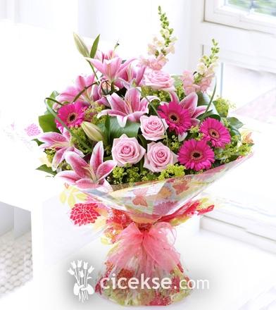 Pembe Çiçek Buketi