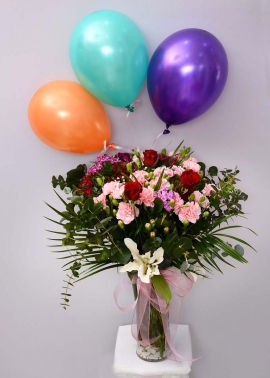 Uçan Balonlu Çiçek Aranjmanı