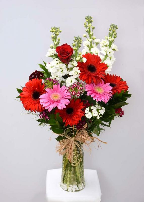 Kır Çiçeklerinden Çiçek Aranjmanı