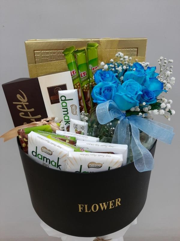 İzmir Çiçek Çikolata Hediye Kutusu