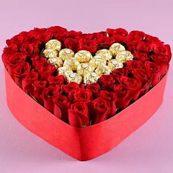 Kalp Kutuda 45 Gül Ferrero Rocher