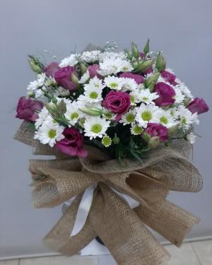 Pembe-Beyaz Çiçek Buketi
