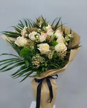 10 Adet İthal Gül Çiçek Buketi